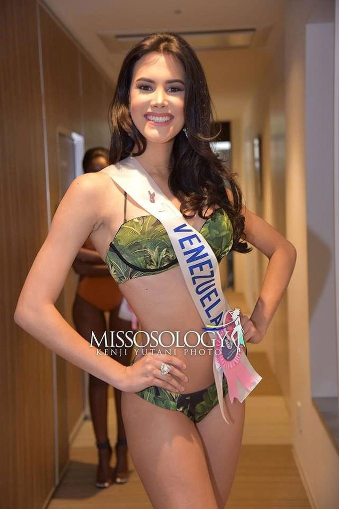 <p> Ngoài đường cong nóng bỏng,Velazco sở hữu khuôn mặt khả ái, ấn tượng. Trước đó, Mariem Velazco từng tham dự Miss Venezuela 2017 và giành được các giải Phong cách đẹp nhất và Hoa hậu Ảnh.</p>