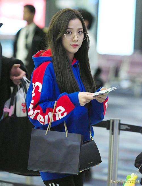 Black Pink, Red Velvet sân bay - 7