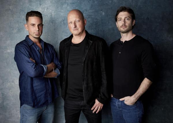 Từ trái sang: Wade Robson hiện tại, đạo diễn Dan Reed và Jimmy Safechuck trong một ảnh quảng bá dự án Leaving Neverland.