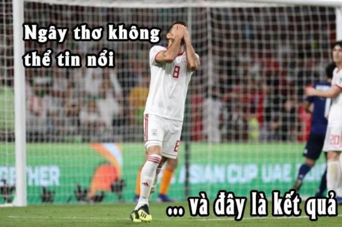 <p> Sai lầm từ hàng thủ của Iran mang về cho Nhật Bản bàn thắng mở tỉ số.</p>