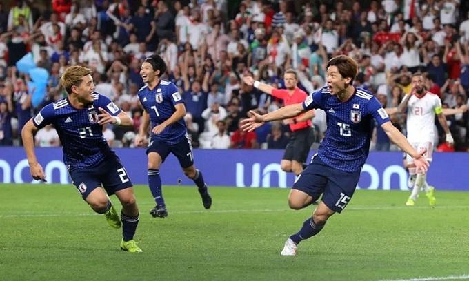 <p> Nhật Bản sẽ gặp đối thủ thắng ở cặp bán kết giữa chủ nhà UAE và Qatar (tối 29/1). Trận chung kết diễn ra ngày 1/2. Nhật Bản từng 4 lần lên ngôi vô địch Asian Cup và họ đang giữ quyết tâm nới rộng khoảng cách kỷ lục với các quốc gia khác.</p>
