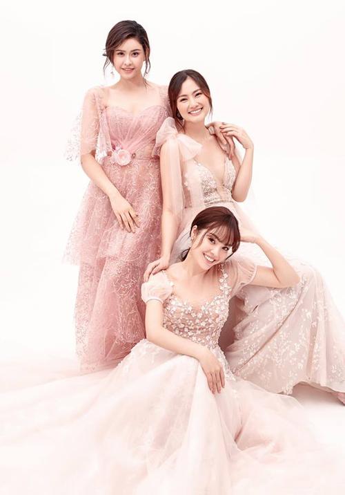 Bộ ba Trương Quỳnh Anh - Ngọc Lan - Dương Cẩm Lynh rủ nhau hóa nàng thơ trong bộ ảnh kỷ niệm tình chị em.