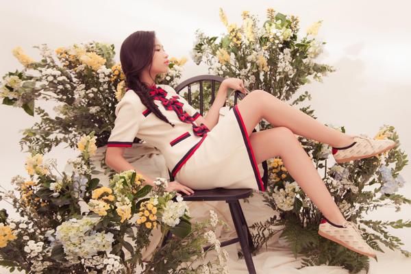 Chiều cao chuẩn mực giúp Lan Vy còn được lòng cả những nhãn hàng thời trang cao cấp. Trong các bộ ảnh tạp chí, teen girl trông sang chảnh, quyến rũ.