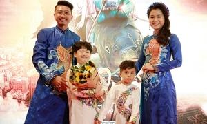 Lâm Vĩ Dạ - Hứa Minh Đạt diện áo dài đôi tình tứ ra mắt phim