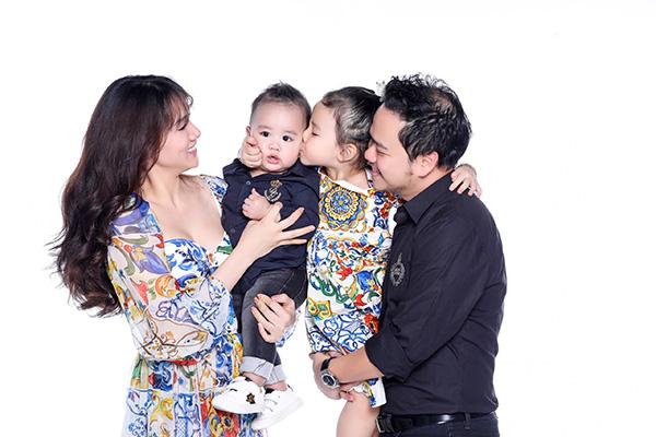 Năm 2018 vợ chồng Trang Nhung tâm huyếttrong việc sản xuất phim. Dự án Quý cô hàng hiệu dù không thắng lớn nhưng cũng để lại dấu ấn cá nhân, khẳng định con đường đi mà hai người đang lựa chọn.