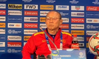 HLV Park trong buổi họp báo trước trận đấu với Nhật Bản trong khuôn khổ Asian Cup 2019.
