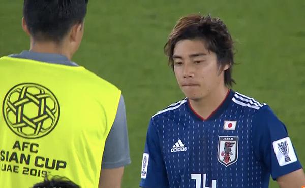 Tuyển Nhật Bản thất thần nhìn các cầu thủ Qatar ăn mừng ngôi vô địch - 9