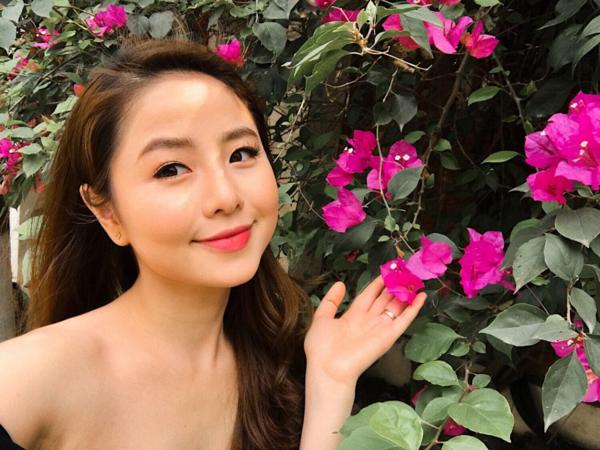 Từ thời còn là nữ sinh trường Sân khấu Điện ảnh, Nguyễn Nam Thương được biết đến với gương mặt bầu bĩnh, xinh xắn, trong sáng như học sinh trung học.