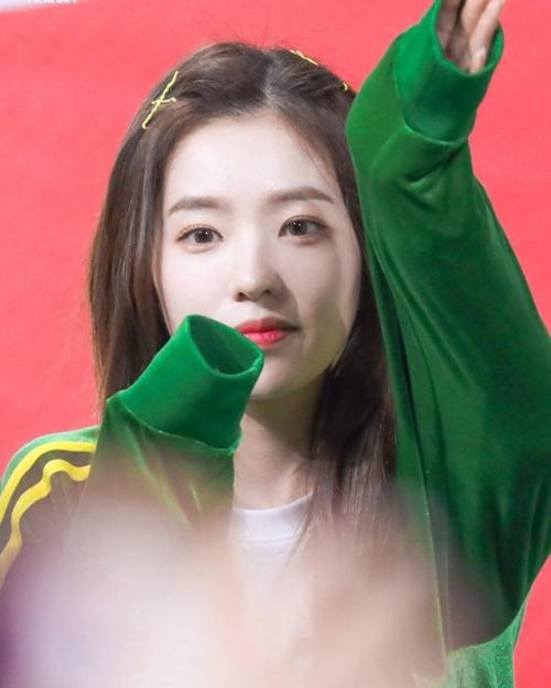 Yoon Ah gây bất ngờ khi vào BXH những nữ idol xinh đẹp nhất - 1