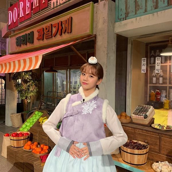 Hye Ri diện hanbok dịu dàng đầy không khí năm mới.