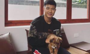 Cầu thủ Việt xây nhà, mua xế xịn đón Tết
