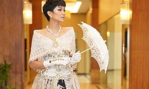 'Hoa hậu đẹp nhất thế giới' H'Hen Niê gây sốt khi diện váy truyền thống Philippines