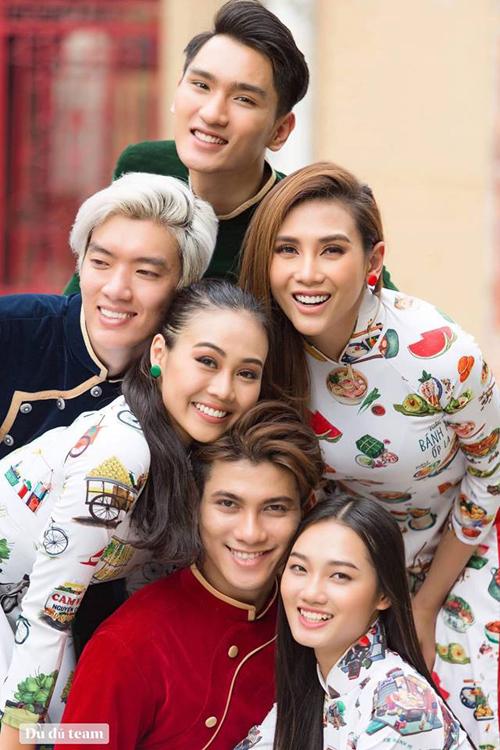Hoàng Yến tụ hội cùng các học trò The Face.