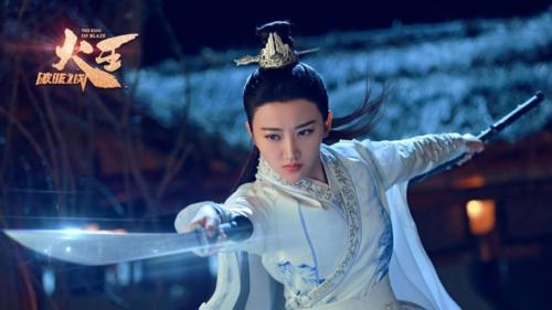 Đặc biệt, vai diễn của Cảnh Điềm trong Hỏa vương đòi hỏi khả năng võ thuật nhưng những gì khán giả nhận được trên phim là những cảnh quay từ xa, không rõ mặt do diễn viên đóng thế.