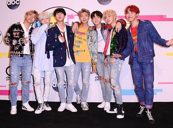 Tin vui đầu năm của BTS khiến nhiều fan phấn khích.