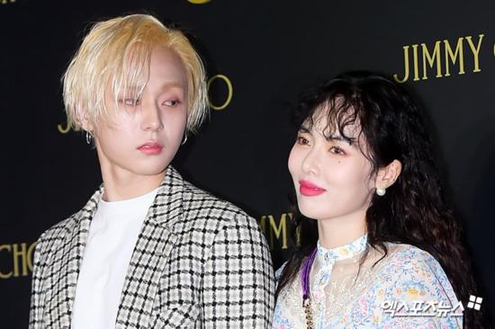 Màn công khai hẹn hò của Hyun Ah và EDawn nếu xuất hiện cách đây 2 thập kỷ có lẽ sẽ khiến người hâm mộ đồng loạtngất xỉu.