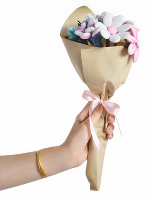 10 bó hoa vừa lạ đời vừa... ăn được tặng nàng ngày Valentine  - 9