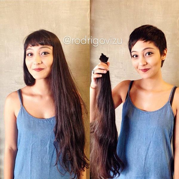 Tạm biệt mái tóc dài nữ tính, cô gái đầy tự tin khoe trọn đường nét của gương mặt.