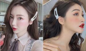 Kẹp tóc ngọc trai có gì hot mà khiến con gái châu Á mê mệt đầu năm mới?