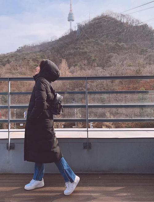 Phương Ly tranh thủ những ngày nghỉ rảnh rỗi để sang Hàn Quốc du lịch.