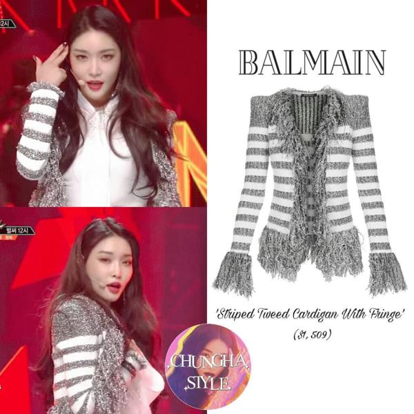 Ở những stage tiếp theo, cô nàng liên tục diện loạt áo vest siêu sang chảnh của Balmain, chiếc áo lấp lánh này có giá là 35 triệu đồng.