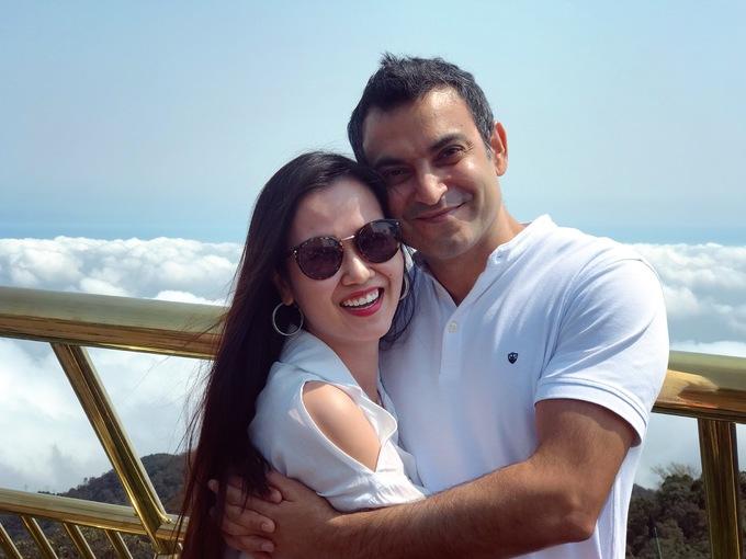 <p> Sau đám cưới diễn ra vào giữa tháng 1/2019, vợ chồng Võ Hạ Trâm đang có kỳ trăng mật tại Đà Nẵng. Nữ ca sĩ cho biết, vì công việc của cả hai khá bận rộn nên sau đám cưới hơn một tháng mới có thể dành thời gian cho nhau.</p>