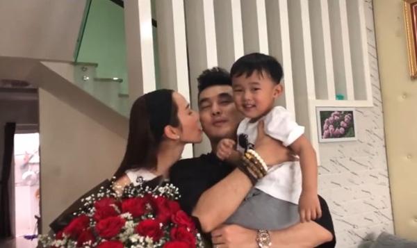 Ưng Hoàng Phúc tỏ tình bà xã Valentine: Kim Cương là món quà vô giá