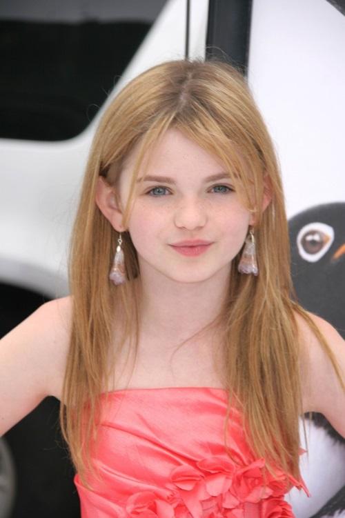 Morgan có mái tóc vàng, đôi mắt xanh biếc. Cô nàng được kỳ vọng trở thành thế hệ mỹ nhân mới của Hollywood.