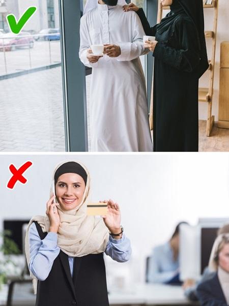 Con gái Ả Rập khổ sở với những quy tắc hà khắc