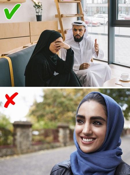 Con gái Ả Rập khổ sở với những quy tắc hà khắc - 9