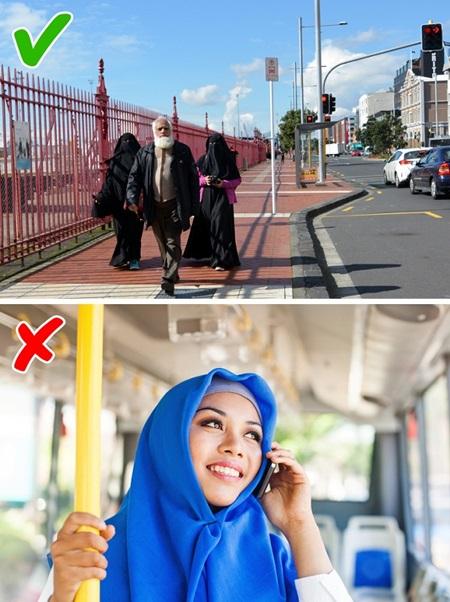 Con gái Ả Rập khổ sở với những quy tắc hà khắc - 2