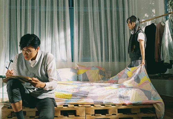 [Caption]Là một người mẫu kiêm travel blogger có sức ảnh hưởng trên mạng xã hội, không chỉ vậy Quang Đại tỏ ra hoạt động năng xuất trong nhiều lĩnh vực khác, đặc biệt là diễn xuất bằng việc hoá thân vào các bộ ảnh và dự án phim ngắn do mình tự sản xuất, đưa người khán giả đi từ bất ngờ này đến bất ngờ khác như: Another Love Story lấy cảm hứng từ những thước phim của Vương Gia Vệ, How Many Days Left kết hợp cùng Thu Anh, Lá thư số 15 kết hợp cùng Châu Bùi, Tình Yêu của Tôi kết hợp cùng Jun Vũ và mới nhất là Quá Khứ Chỉ Nên Là Quá Khứ kết hợp cùng Trang Olive.  Chính sự chỉn chu sáng tạo trong mỗi vai diễn, mỗi dự án, mỗi chuyến đi đã giúp Quang Đại để lại dấu ấn sâu đậm trong lòng các bạn trẻ. Với lợi thế đi nhiều cùng khả năng biến hoá đa dạng trong diễn xuất, Quang Đại dần khẳng định bản thân và trưởng thành hơn trong mỗi dự án mà anh thực hiện.