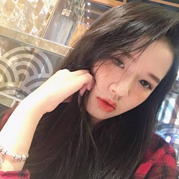 <p> Cô nàng hứa hẹn là nhân tố mà nhà sản xuất Aiden và ST.319 đang chuẩn bị tung ra thị trường âm nhạc Việt Nam trong 2019.</p>