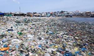 Chàng trai đi xuyên Việt chụp 3.000 tấm ảnh kinh hoàng về rác thải nhựa