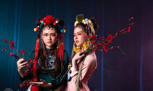 Cặp song sinh Bảo Anh - Bảo Trân comeback với phong cách hát bội