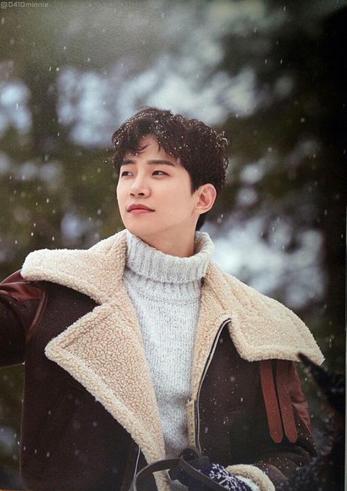 Khuôn mặt của Jun Ho được nhận xét là có khí chất bạn trai, ấm áp và trong sáng. Anh chàng cũng là một trong những idol thành công khi lấn sân sang diễn xuất.