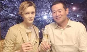 Con trai cầu thủ nổi tiếng Nhật Bản biến mình thành búp bê sống