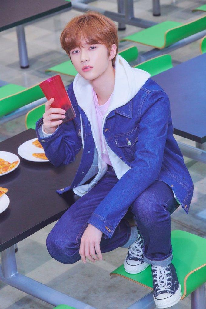 <p> Beom Gyu được giới thiệu là visual của TXT. Anh chàng có ngoại hình trong trẻo thanh thuần, đúng gu của công chúng Hàn Quốc.</p>