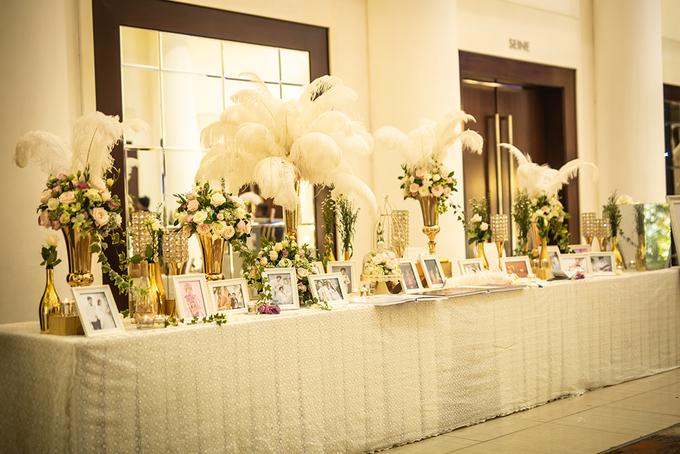 <p> Tiệc cuối của Vũ Ngọc Ánh - Anh Tài diễn ra tại một nhà hàng tại quận 4, TP HCM. Sảnh cưới được trang trí từ chiều để chờ đón gia đình, người thân, bạn bè, đồng nghiệp đến dự.</p>