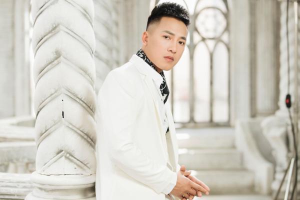 Châu Khải Phong ủng hộ các nghệ sĩ trẻ khui chuyện từng bị lạm dụng, gạ tình.