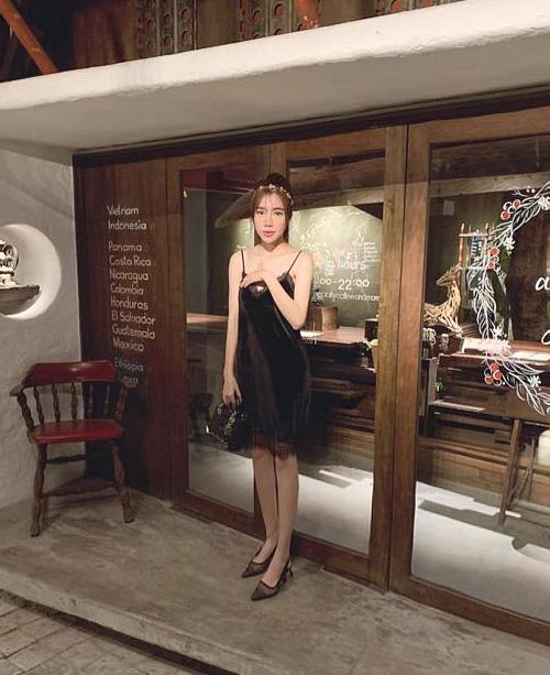 Elly Trần ngày càng gầy rộc mong manh khiến không ít fan lo lắng.