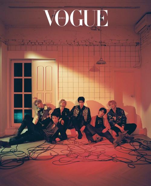 Cha Eun Woo và các thành viên ASTRO cũng góp mặt vào dàn sao Hàn xuất hiện trên ấn phẩm Vogue Korea tháng 3. Fan nhận xét đây là một trong những bức ảnh đẹp nhất của nhóm từng thực hiện cho một tạp chí thời trang.
