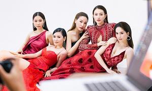 Ngọc Trinh mặc sexy chụp hình lần cuối cho show nội y 'Đêm hội chân dài'