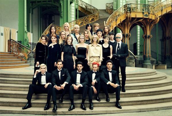 Những sao Hàn từng được chụp hình cùng ông trùm tóc bạc Karl Lagerfeld