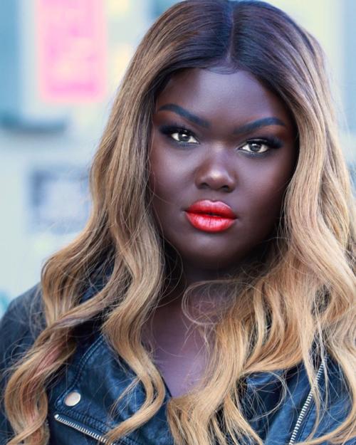 7 cô nàng chứng minh: Đẹp hay xấu là do chính chúng ta - 6