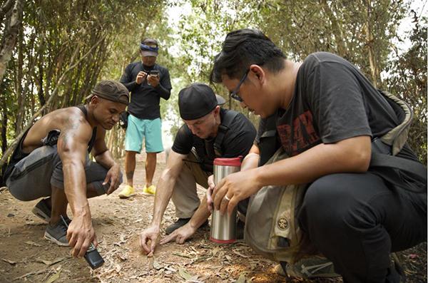 Ngoài Kefi và ê kíp của mình, các phân cảnh hành động mãn nhãn trong Hai Phượng còn được hỗ trợ bởi team hành động Yannick và teamX - những team hành động hàng đầu tại Việt Nam.
