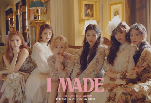Mini-albumI Madevà MVSenoritasẽ chính thức được phát hành vào lúc 18h ngày 26/2 (theo giờ địa phương).