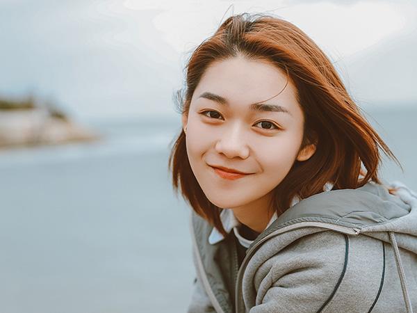 Nhóm nữ Trung khiến fan khóc thét vì dũng cảm khoe mặt mộc