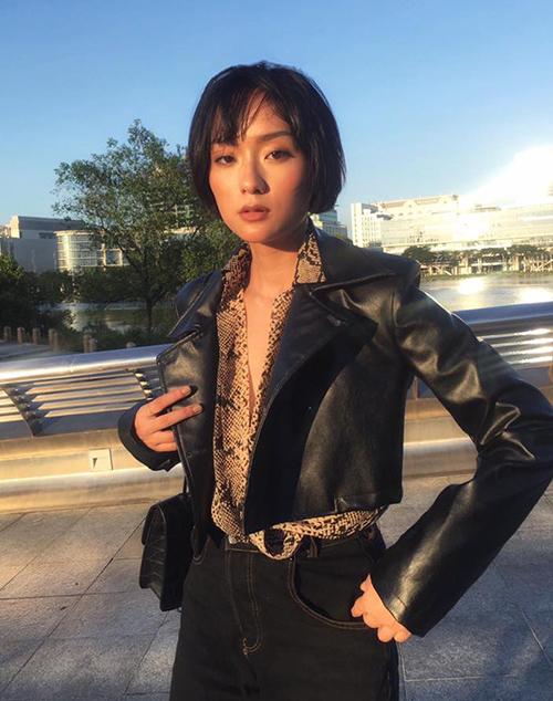 Ở đời thường, Thu Anh ăn mặc cá tính, phóng khoáng, là hình mẫu cho nhiều cô gái.