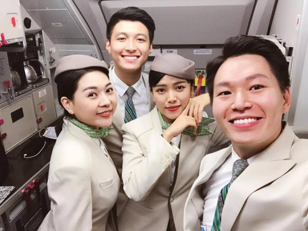 Cặp trai tài gái sắc ngành hàng không bị truy tìm vì quá nổi bật - 2